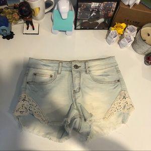 🛍2/$25☀️Ardene Acid Wash Denim Shorts with Lace